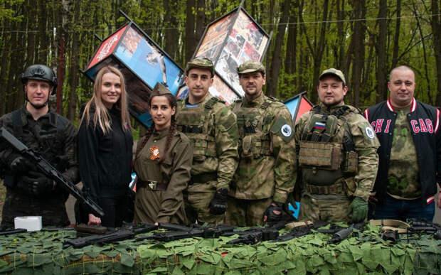 В Рязани прошла выставка бронетехники и оружия