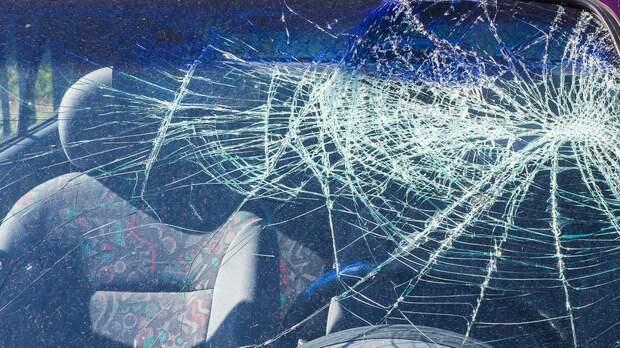 Водитель погиб влобовой аварии сToyota вРостовской области