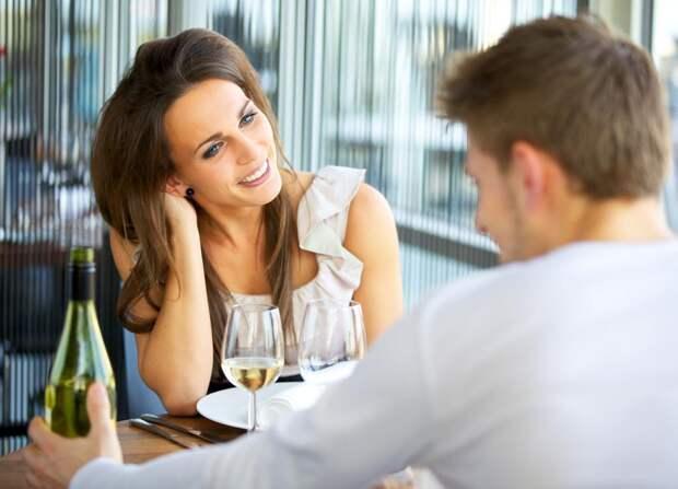 Как пригласить мужчину на свидание первой?