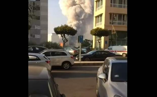 В сети появилось новое видео мощного взрыва в Бейруте