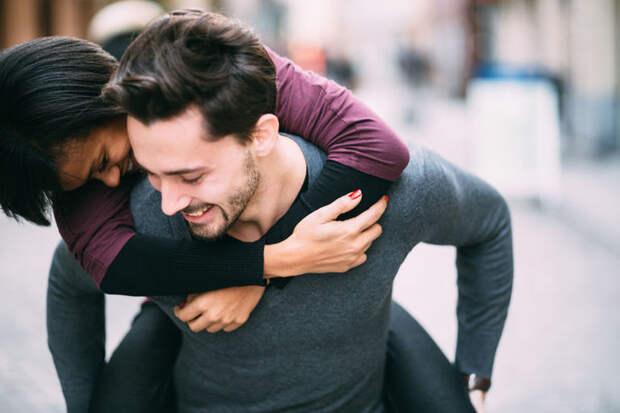 10 романтических жестов, которые на самом деле нравятся мужчинам