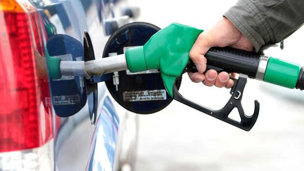 Цена бензина в США достигла рекордного за 7 лет уровня