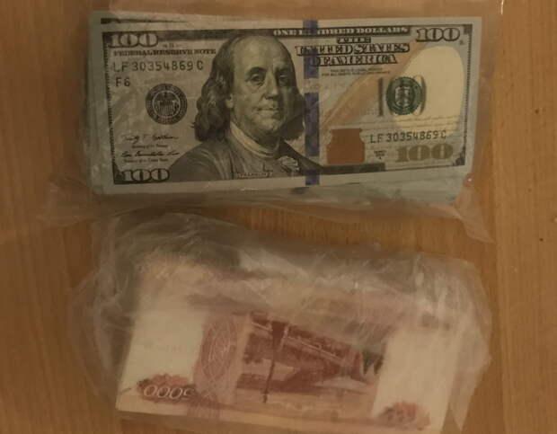 В Белогорске мужчина украл из частного дома 4,5 миллиона рублей
