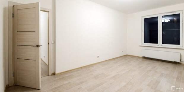 Стандартная мебель оказалась «не по размеру» для студии на Беломорской