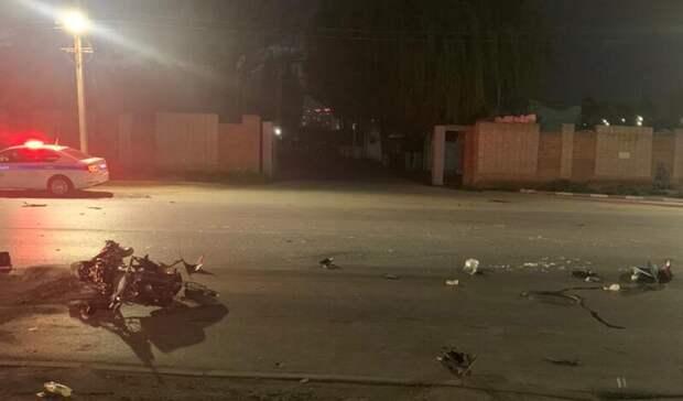Неизвестный скутерист погиб в Батайске, его пассажир попал в больницу