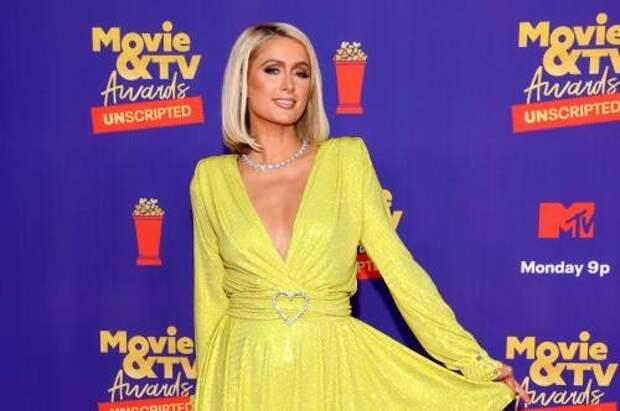 Какие наряды Хайди Клум и Пэрис Хилтон выбрали для красной дорожки MTV Movie & TV Awards 2021