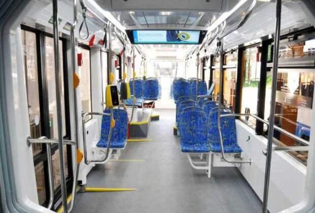 В Щукино трамваи сбились с графика после ДТП на путях