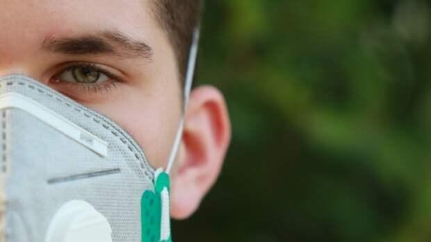 Вакцинированным в США разрешили отказаться от масок