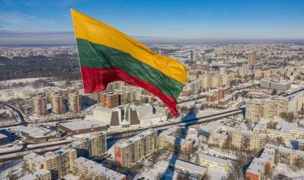 Россия «ударила» по литовскому транзиту, но на этом проблемы не закончились. Сейчас в стране даже водителей не хватает