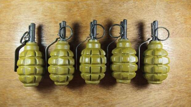 Чаще всего красят в зеленый. /Фото: allzip.org.