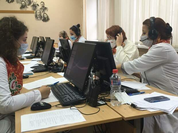 Еще 16 медиков Удмуртии присоединятся к работе колл-центра для пациентов с коронавирусом