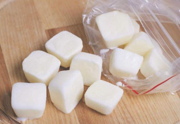 Замораживаем молоко и кефир: хранится неделями