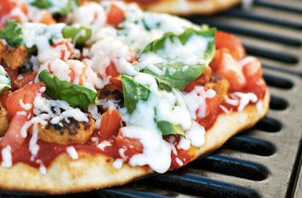 Пицца в духовке: 8 потрясающих рецептов