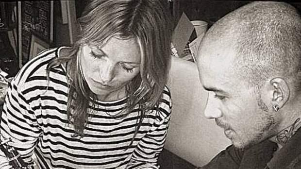 Стало известно о необычном хобби Кейт Мосс: супермодель готовится стать тату-мастером