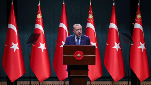 Турция начнет выход из локдауна после 17 мая