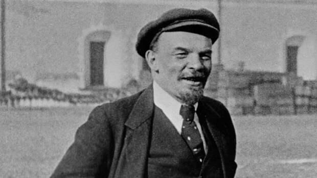 Художник из США собрал больше $50 млн на покупку тела Ленина