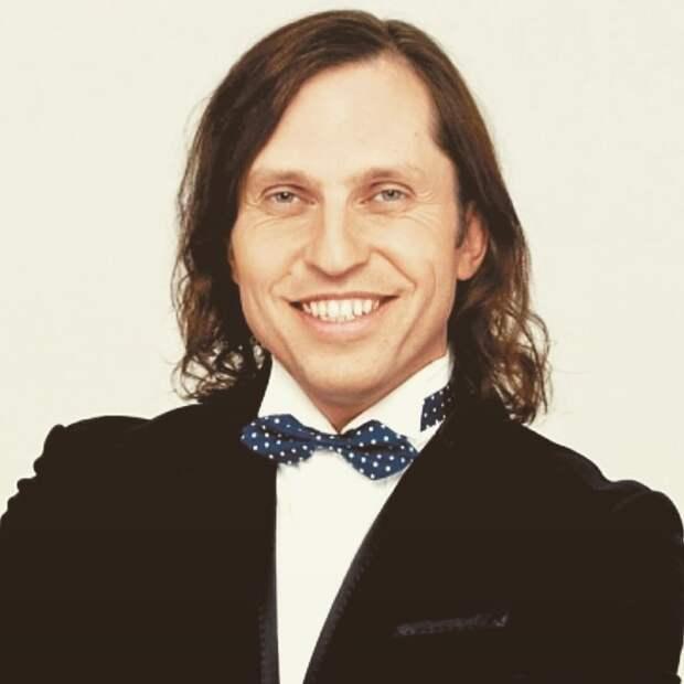 Тренд на мужские каре: звёзды, которые ввели в моду длинные волосы