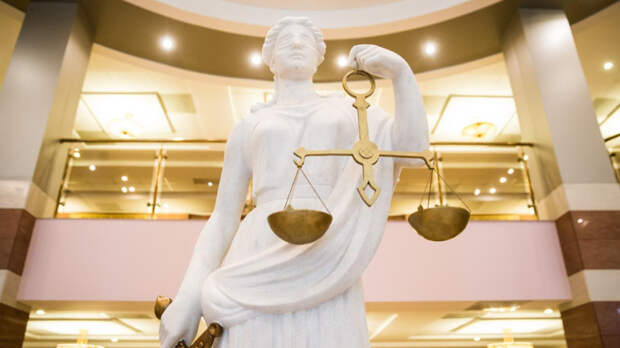 Мосгорсуд изменил условный срок адвокату Лукмановой на реальный