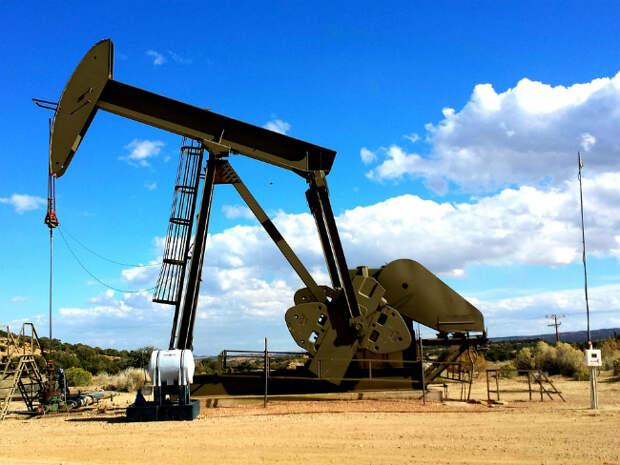 Цены на нефть растут, Brent подбирается к $72 за баррель