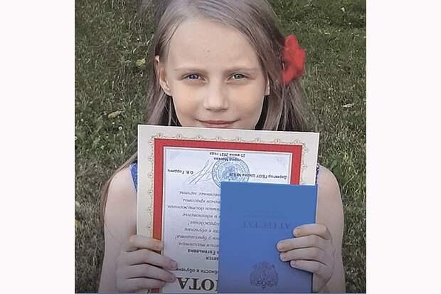 «Украденное детство» или «Следовать за мечтой»: что стоит за историей Алисы Тепляковой, сдавшей ЕГЭ в 8 лет