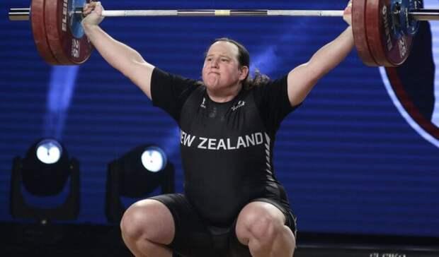 Федерацию тяжелой атлетики России возмутил допуск трансгендера наОИ