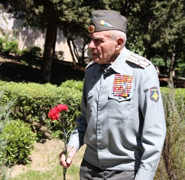 В Ливадийском дворце торжественно чествовали ветеранов