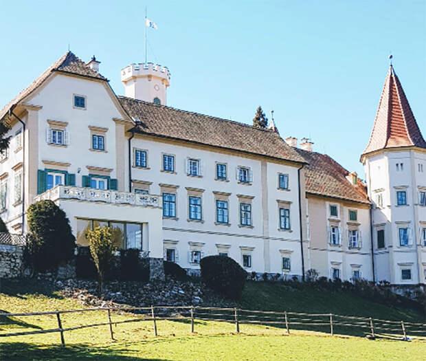 Замок Ланнах, где в годы войны размещался Институт генетики растений СС. Фото Diama D