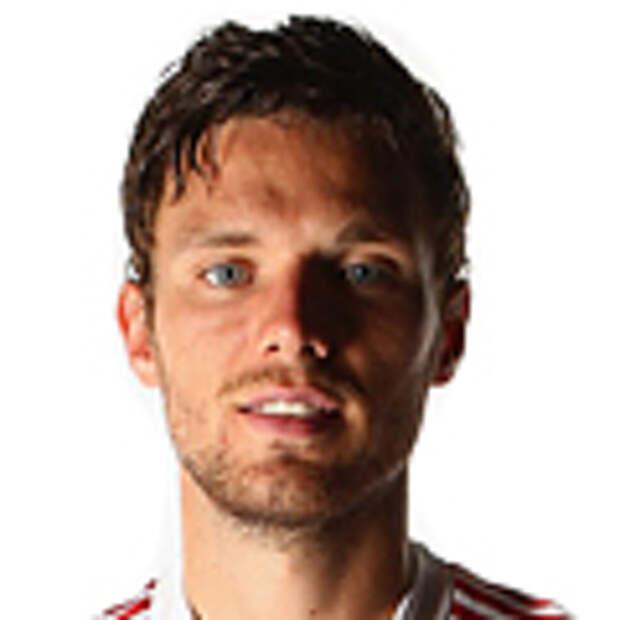 Полиция начала расследование из-за травли игрока сборной Швеции и его семьи