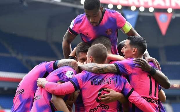 «ПСЖ» одержал волевую победу над «Сент-Этьеном». Команды забили 5 голов в концовке матча