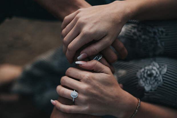 Девушка собралась замуж за совершившего двойное убийство друга по переписке