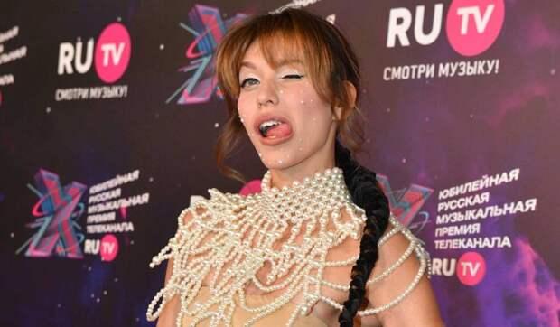 «Кто-то рожает?»: Тодоренко шокировала россиян странным видео