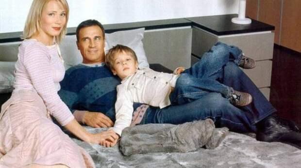 александр дедюшко с женой и сыном