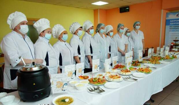 РДШ и Константин Ивлев проверили школьное меню в Нижнем Новгороде