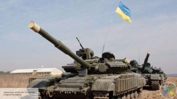 Украина испугалась «наступления» России и начала стягивать танки к границе с Крымом