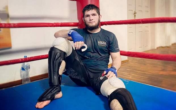 В UFC не хотят торопить Хабиба после смерти отца: «Ему нужно время. Сейчас мы оставили его в покое»