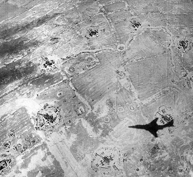24 июля 1965 года зенитной управляемой ракетой был впервые сбит боевой реактивный самолёт