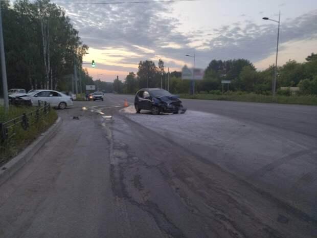 Неопытный водитель в Ижевске устроила аварию с пятью пострадавшими