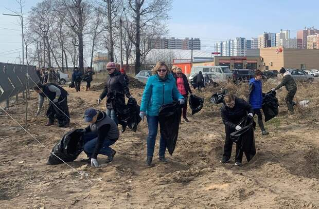 В Твери прошёл второй общегородской субботник – вывезено почти 300 кубометров мусора