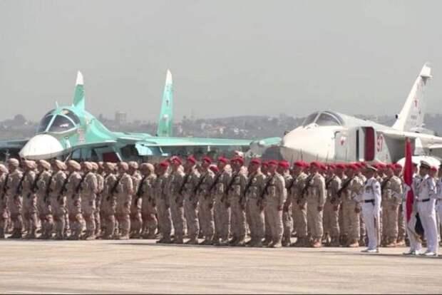 Парад Победы нароссийской базе вСирии прошëл вусловиях боевого дежурства