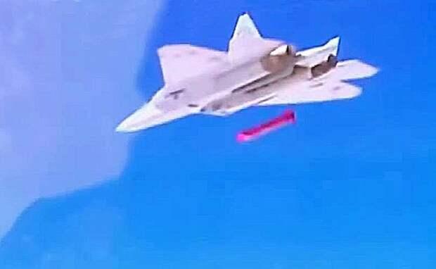 В США попытались разгадать, что за гиперзвуковую ракету испытывает Су-57