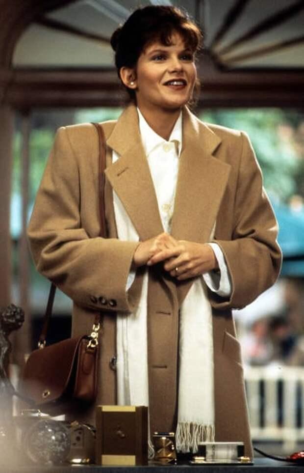 """Красотка из 90-х Лолита Давидовичю Та самая Грэйс из """"Бей в кость"""""""