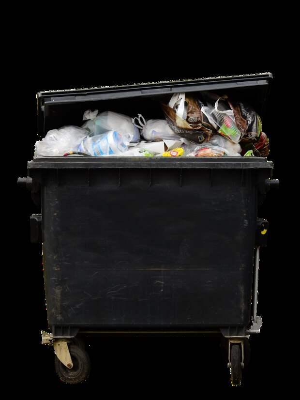 Из двора на Верхней Масловке вывезли мусор