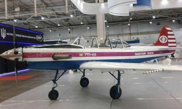 Новый украинский учебно-тренировочный самолёт УТЛ-450 начал испытания