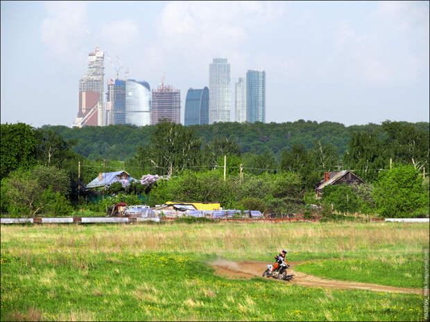 Где лучше жить? Город или деревня. . Выбираем дом часть 1