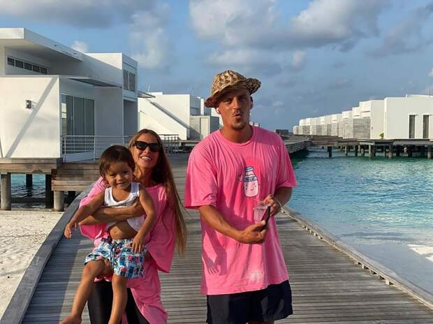 Антон Беляев с семьей на Мальдивах
