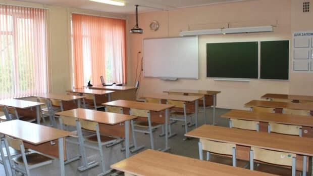 Частные охранные предприятия занимаются защитой школ Калининского района Петербурга