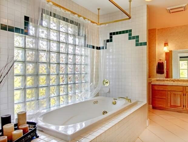 окно из стеклоблоков в ванной