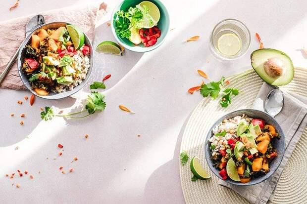 15 салатов с брынзой, которые исчезают со стола за считаные минуты