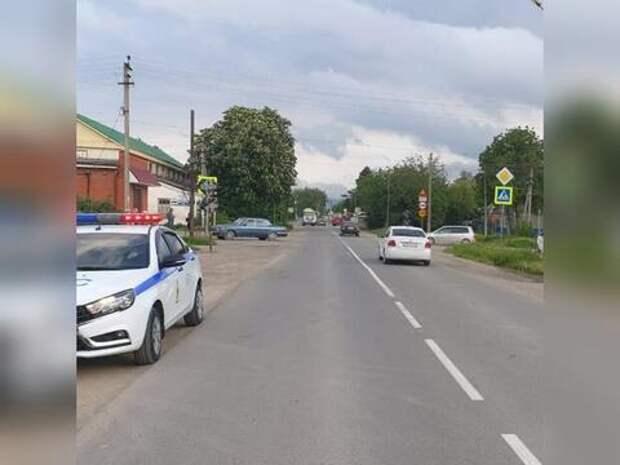 На Кубани водитель иномарки сбил школьницу