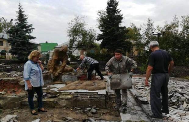 Под Рязанью демонтировали памятник советским воинам